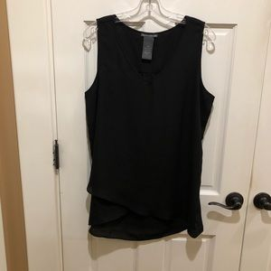 Chelsea & Theodore (L) black sleeveless blouse